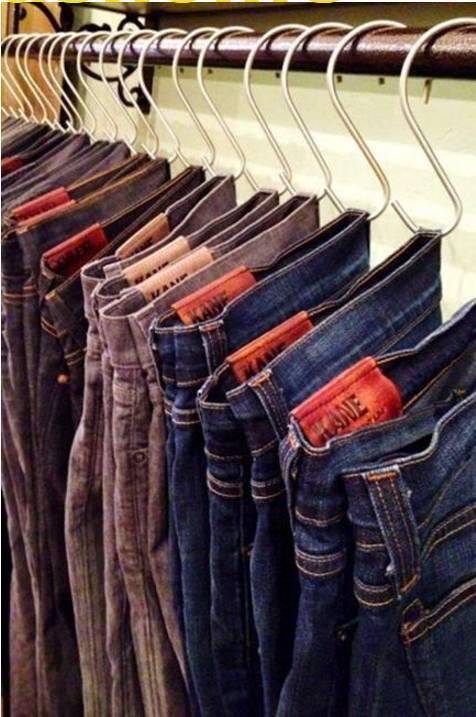 折叠裤子的话,裤子很容易就生出褶皱影响美观.