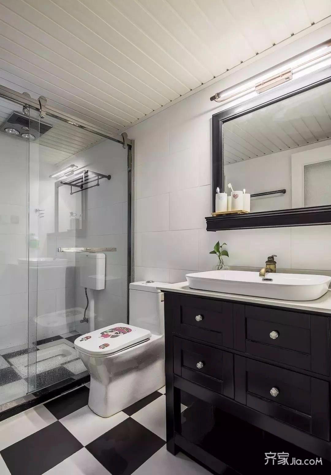 三居室美式空间卫生间装潢图