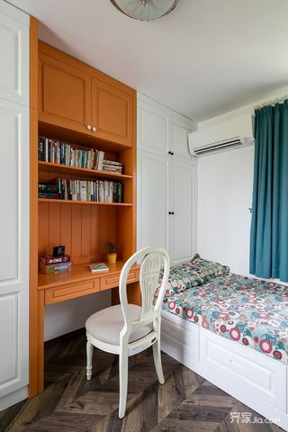 美式风情三居室装修次卧实景图
