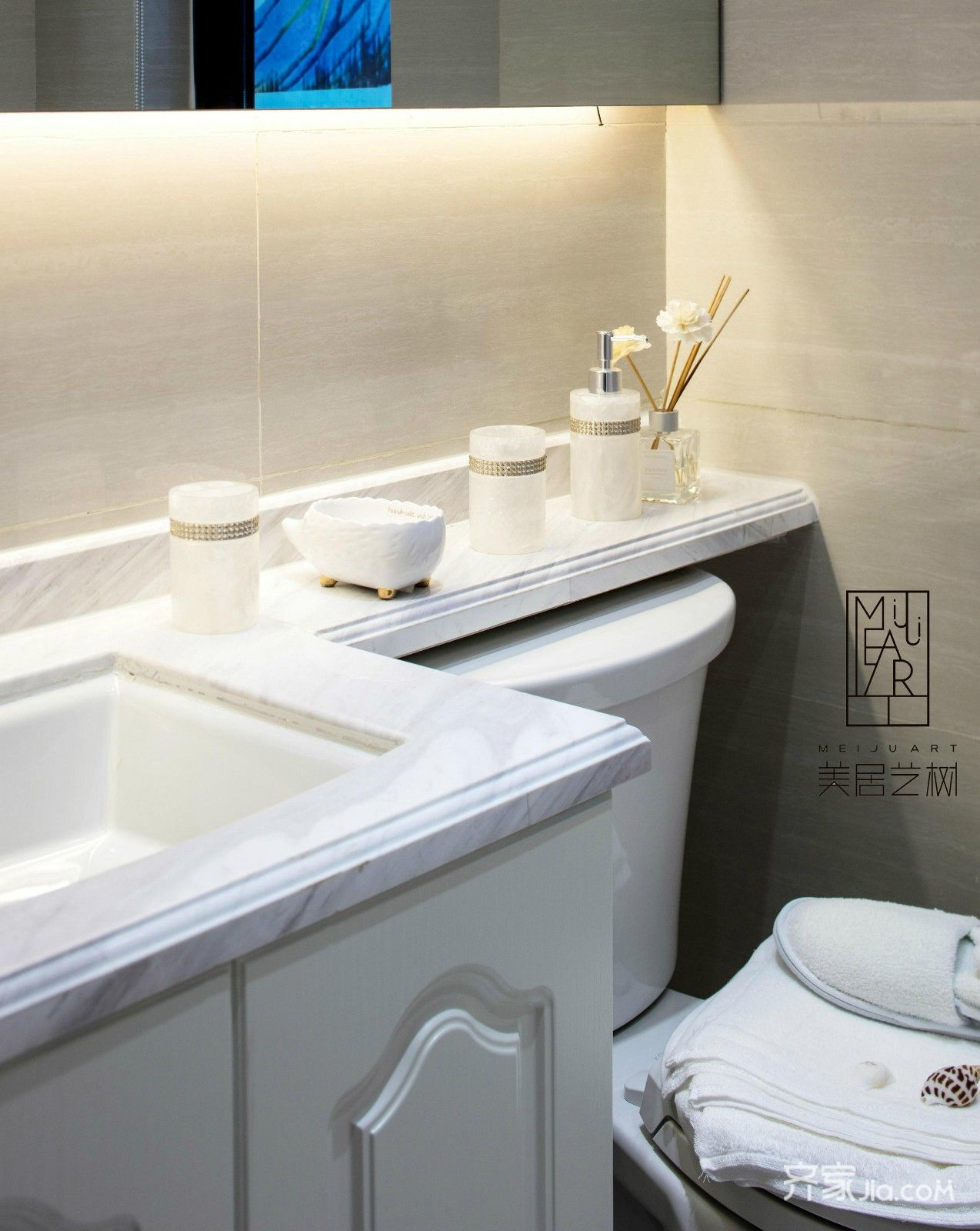 欧式二居室样板间洗漱柜图片