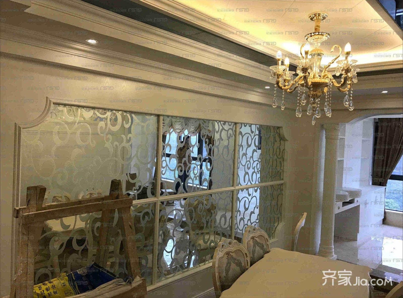 三居室欧式精装餐厅背景墙装潢图