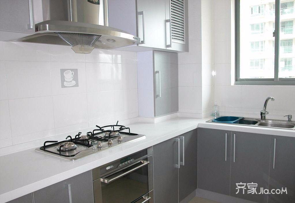 10万就搞定的三口之家厨房实景图