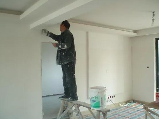 地漏的安装:地漏是家装五金件中第一个出场的,因为它要和地砖共同配合