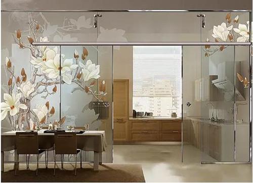 厨房隔断玻璃墙效果图 厨房玻璃隔断如何设计图片