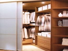 木衣柜价格是多少 怎样保养木质的衣柜