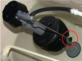 马桶为什么会漏水  如何处理马桶漏水