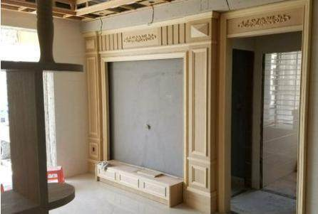 超漂亮的客厅背景墙,欧式风格的线条,还有电视柜,做工真心越看越喜欢.