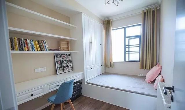 次卧现在是一个榻榻米的书房,以后可以改造成儿童房.图片