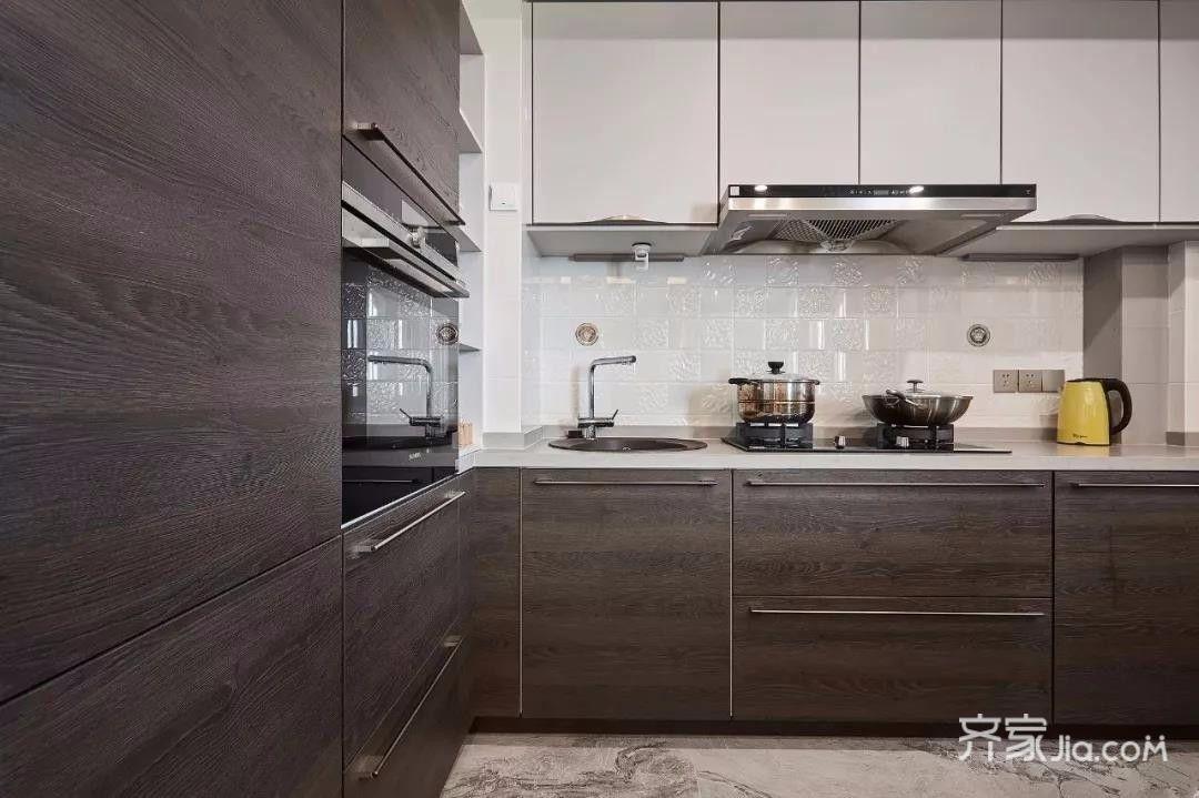 西安装修案例 180㎡现代中式混搭   厨房与餐厅之间隔着一个中岛台