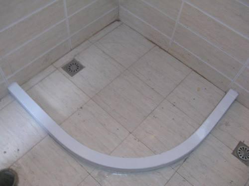 淋浴房挡水条的材质有哪些 淋浴房挡水条有必要做吗