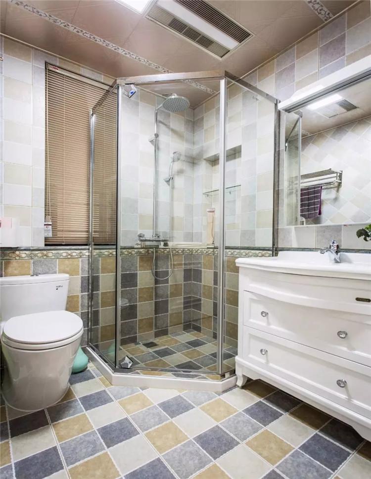 卫生间空间小,淋浴房,马桶,洗手盆如何设计分布?