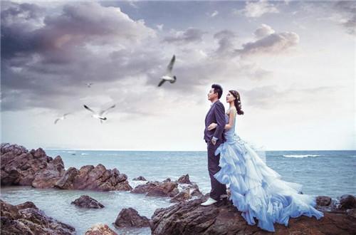 2018海边婚纱照图片大全 拍摄海边婚纱照应该注意哪些