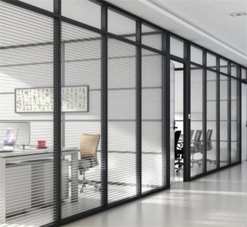 办公室玻璃隔断的优点,为何办公