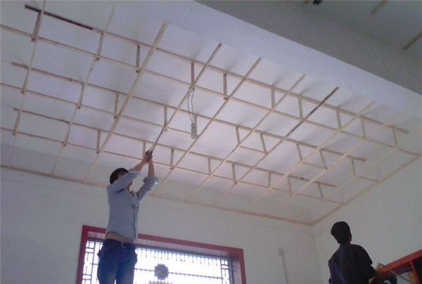 吊顶木龙骨骨架的做法 木龙骨吊顶施工注意事项