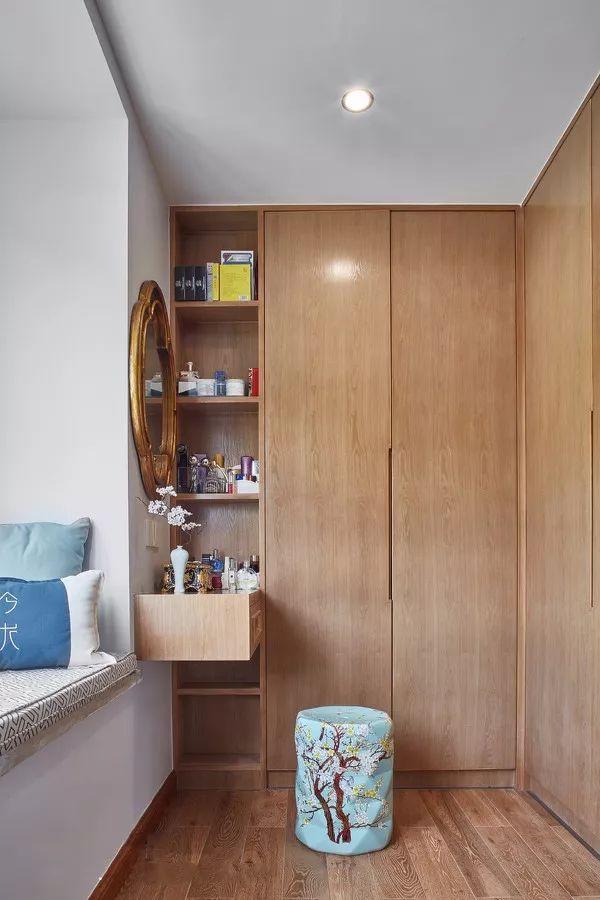卧室里衣柜都流行这样装,长知识了!图片
