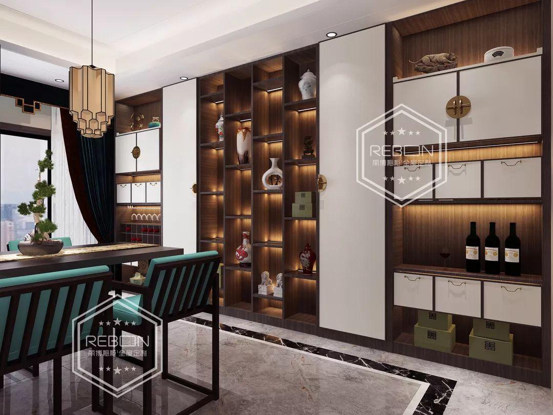 新中式酒柜强大的藏酒,收纳功能也同样令人感叹,设计师采用滑动门,并