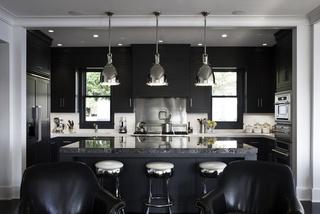 黑白配简欧风 开放式厨房带中岛设计