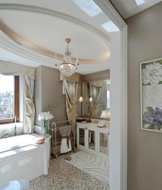 优雅欧式卫生间 奢华椭圆形吊顶设计