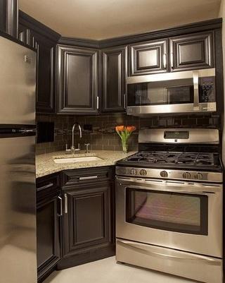 高端复古欧式厨房 深色系整体橱柜效果图