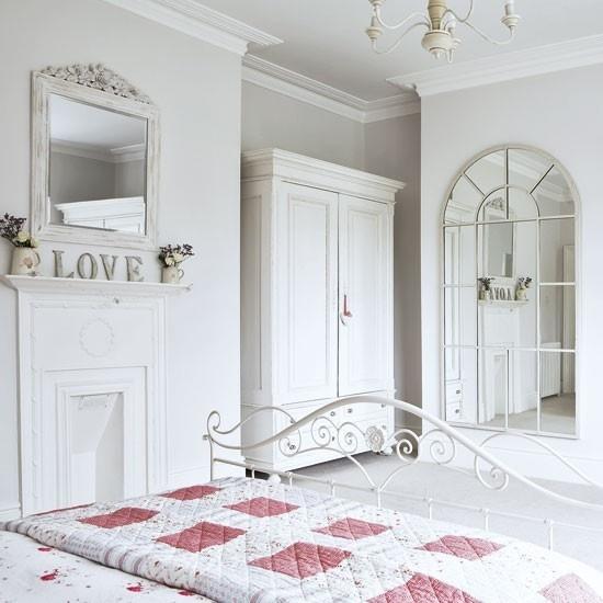 精美纯白色北欧风衣柜设计