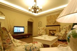田园风格客厅布艺沙发装饰图