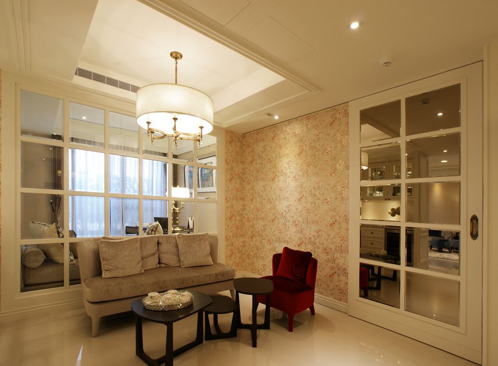 精美简欧小客厅长方形吊顶设计