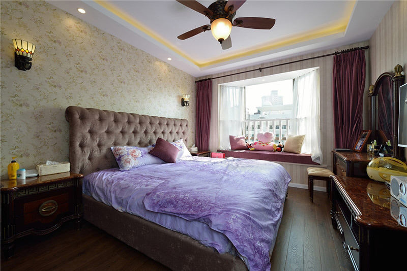 美式装修卧室飘窗效果图