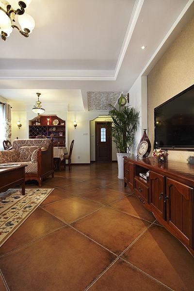 美式田园客厅电视柜装饰图