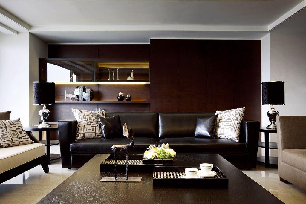 沉稳美式客厅沙发 酒柜背景墙设计