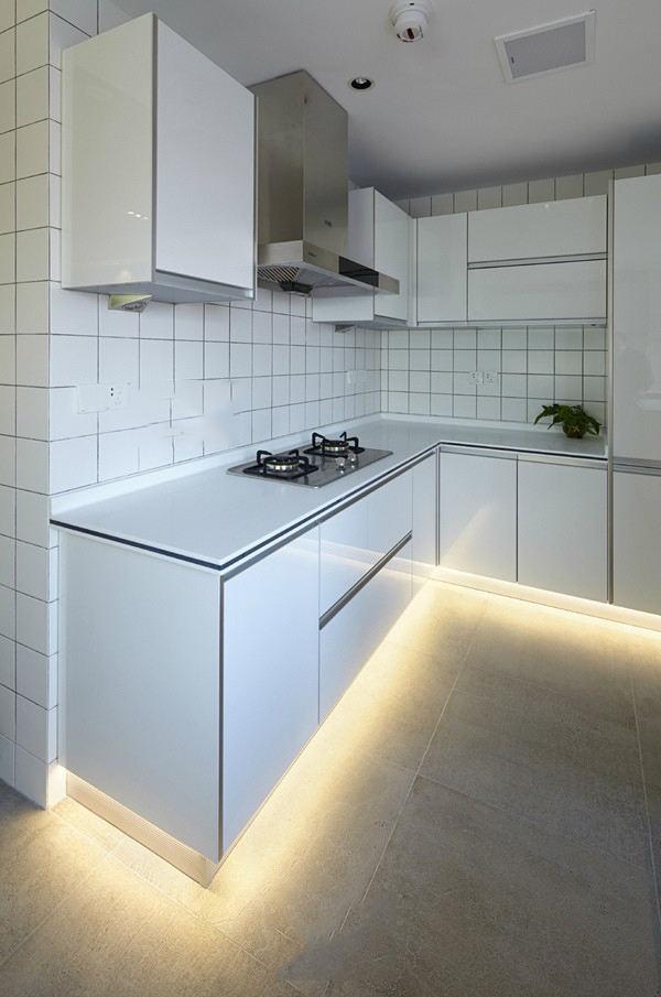 白色简约家居厨房效果图