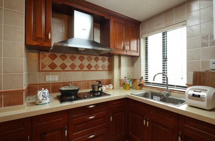 混搭家居厨房红木橱柜装饰图