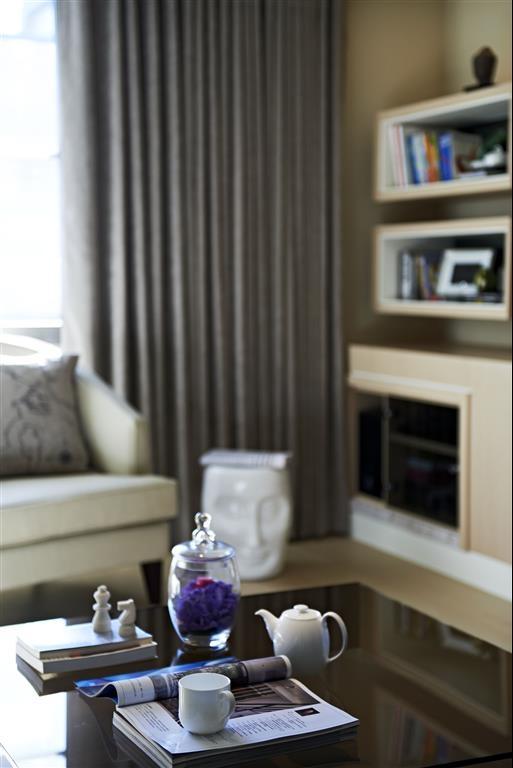 时尚灰色系都市风 室内窗帘效果图