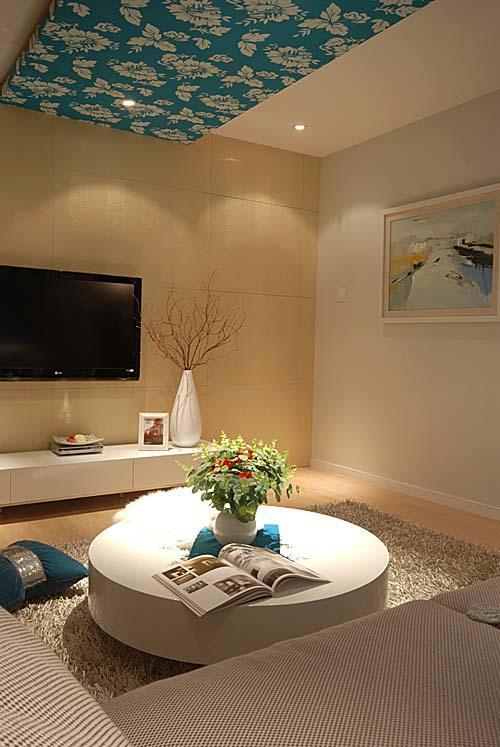 现代家装客厅小圆桌设计