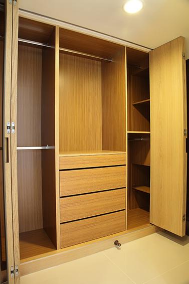 日式实木衣柜效果图