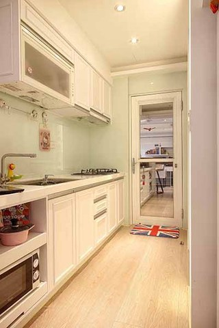优雅简欧式厨房橱柜效果图