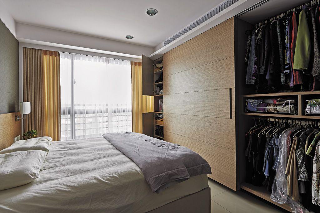休闲现代风卧室原木衣柜设计