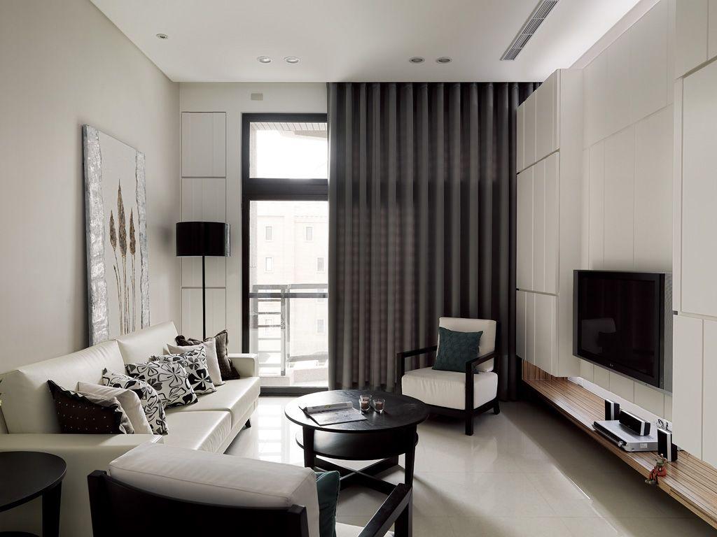 现代简约客厅 深灰色窗帘装饰图