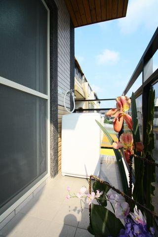 休闲现代风家装阳台效果图