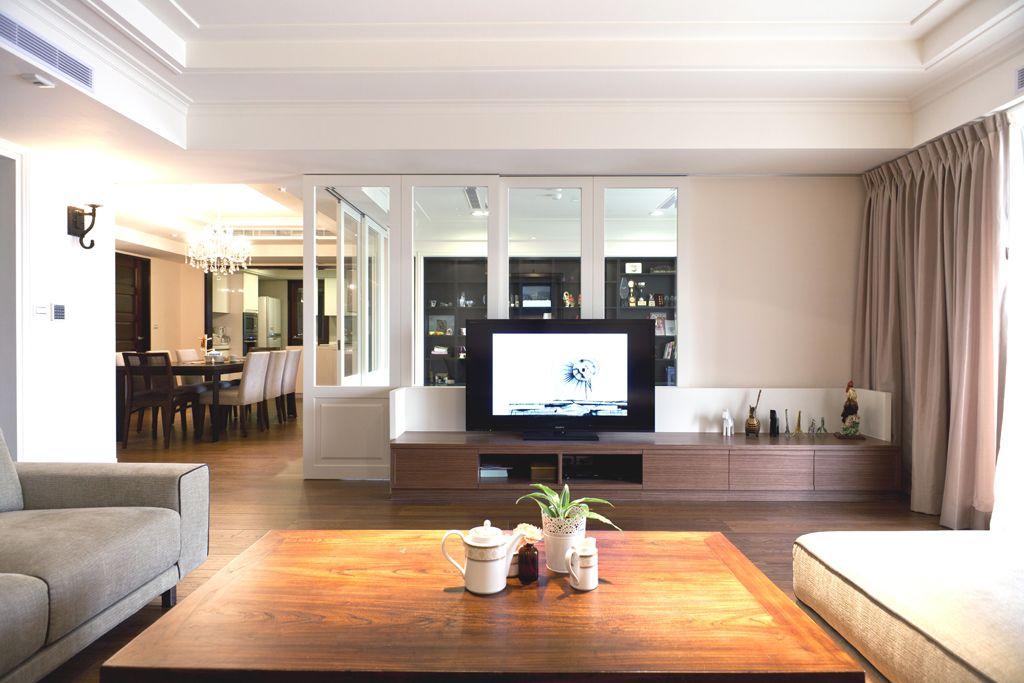 简美式客厅电视柜装饰图