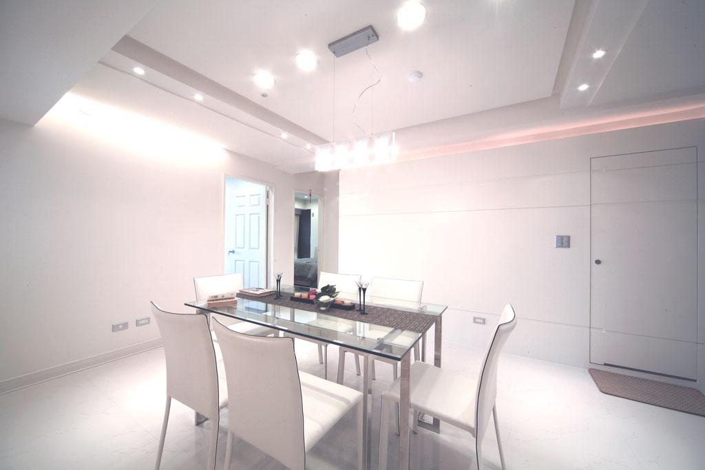 白色简约家装餐厅案例图