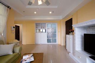 唯美简约公寓黄色背景墙装饰图