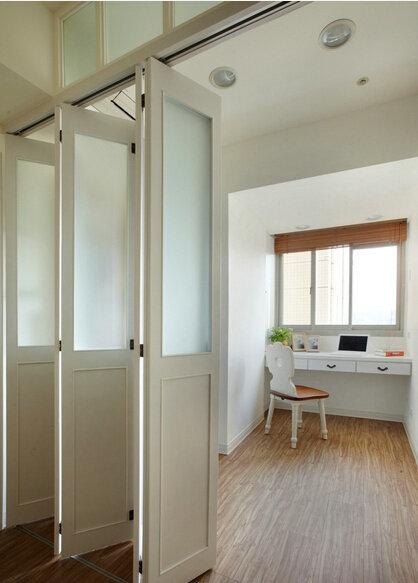日式田园风书房折叠门设计