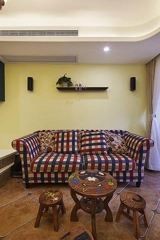 美式乡村风一居室装潢案例图
