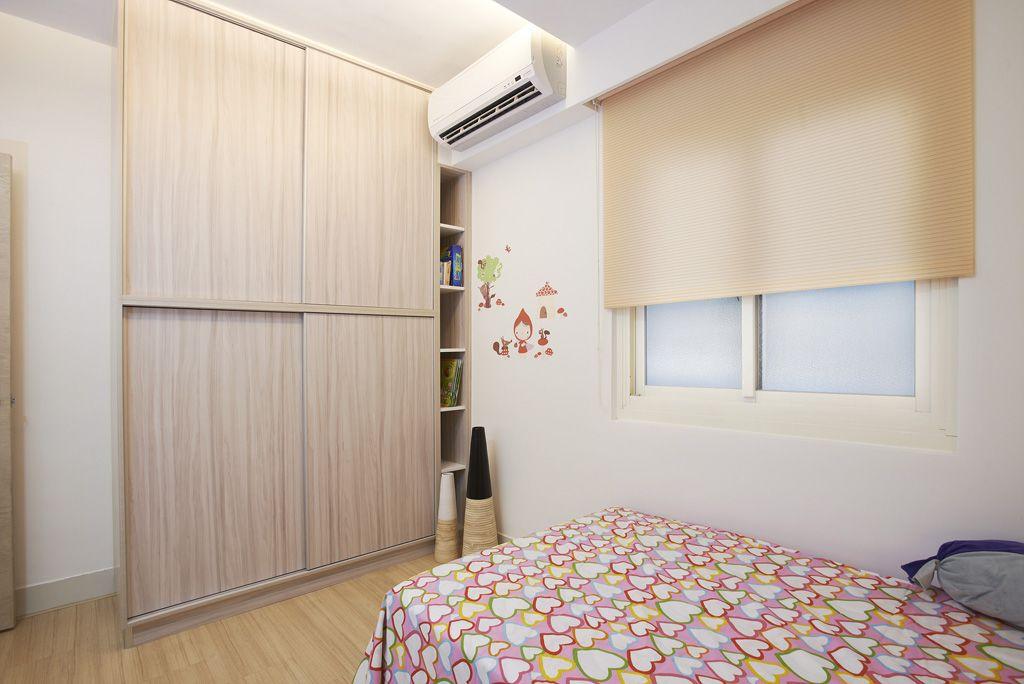 现代风格儿童房实木衣柜设计