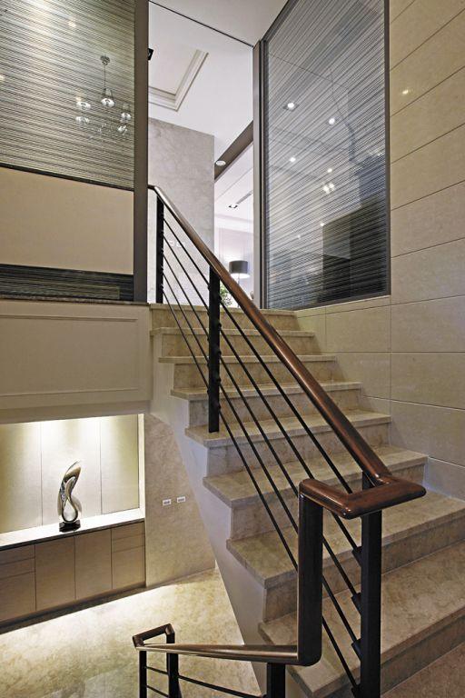 最新现代别墅楼梯护栏设计
