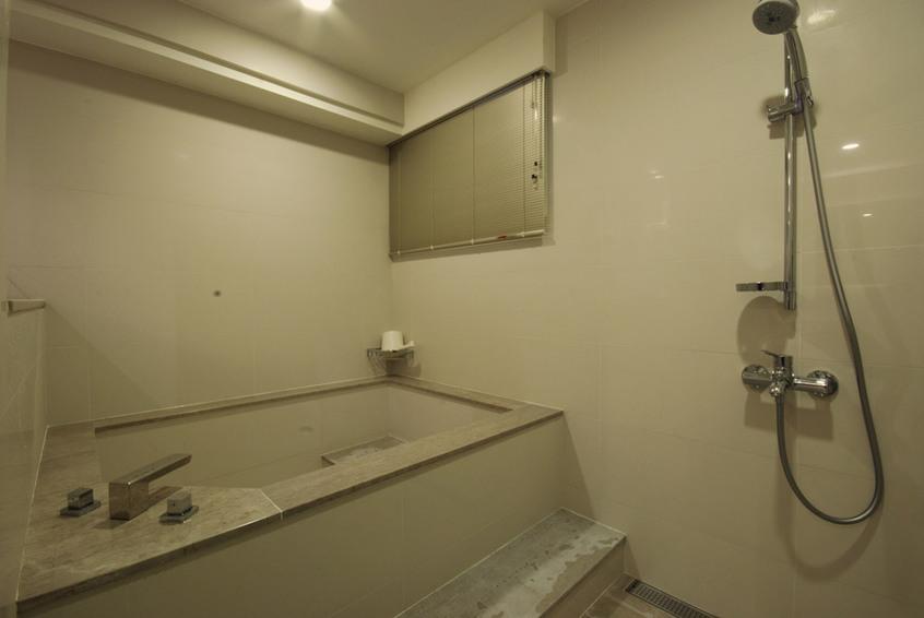 现代家居浴室卫浴挂件安装图