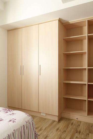 宜家美式实木衣柜效果图