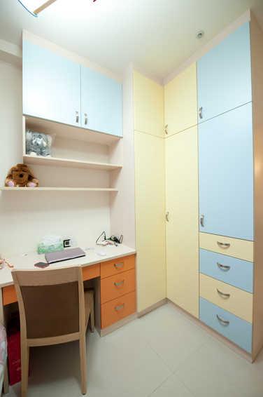 清新宜家小书房衣柜设计