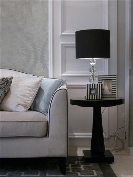 现代简约风沙发台灯效果图