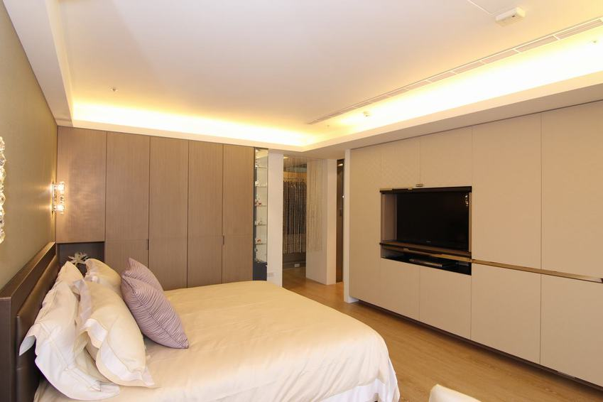 现代家装卧室石膏吊顶效果图